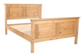 Cotswold Kingsize Bed with High Foot End.