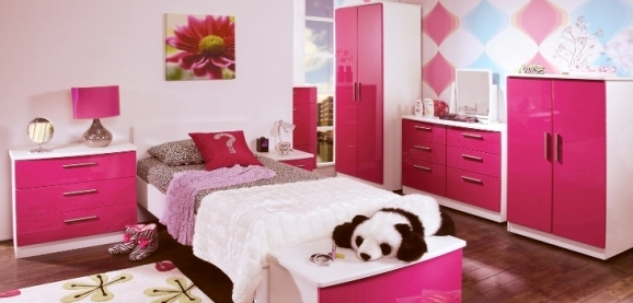 White and Pink Gloss Teen Bedroom